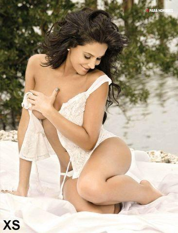 actress Lorena Rojas 18 years unclad photos in the club