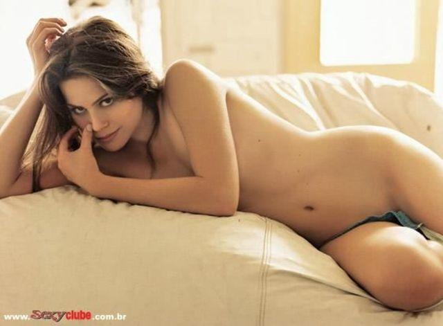models Marisol Ribeiro 22 years risqué art in public