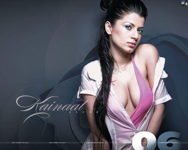 models Kainaat Arora 19 years Without clothing foto home