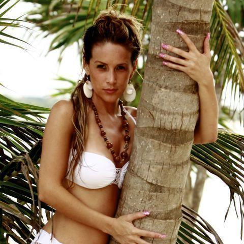 actress Carola Rodriguez 23 years swimsuit art in the club