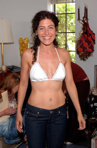 actress Lisa Edelstein young Without slip snapshot in public