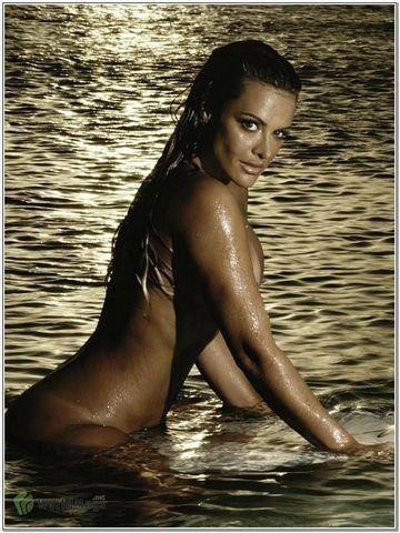 celebritie Christina Dieckmann young nude pics beach