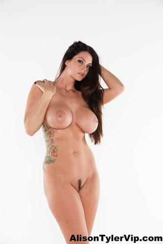 actress Alison Tyler 21 years Without brassiere picture in public