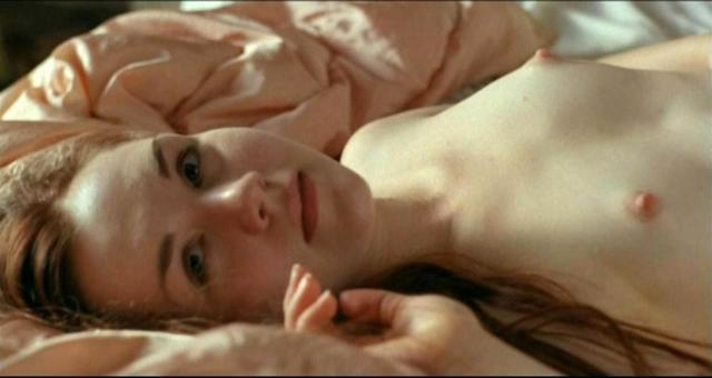 actress Rachel Miner young indecent image beach