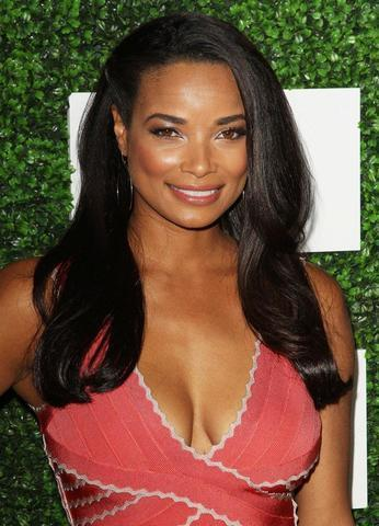 celebritie Rochelle Aytes 20 years stripped photography in the club