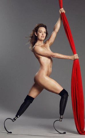 Amy Williams topless photo