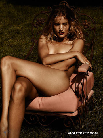 Rosie Huntington-Whiteley nude photos