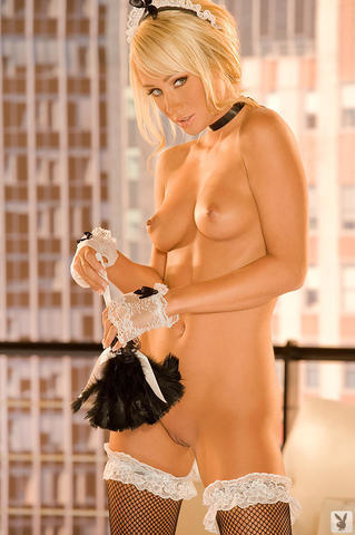 celebritie Sara Jean Underwood 19 years hooters pics in public