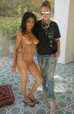 models Sherlyn Chopra 24 years crude art in the club