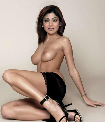 celebritie Shilpa Shetty 18 years swimming suit picture home
