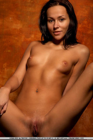 Sonia Red nude picture