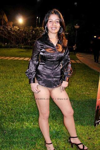 actress Sunidhi Chauhan 18 years bawdy art in the club