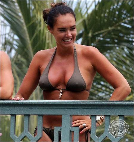 celebritie Tamara Ecclestone 23 years Without swimsuit photoshoot in public