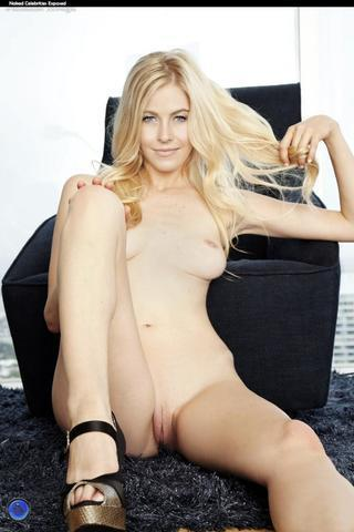 Sophie Hough nude photo