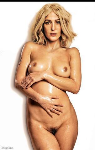 Naked Piper Anderson foto