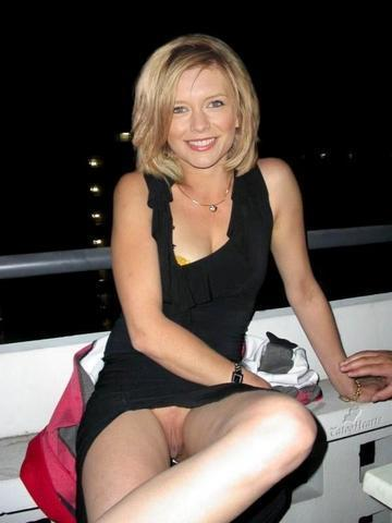 celebritie Rachel Riley 20 years Without panties image in the club