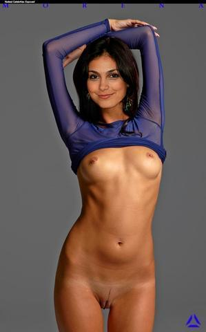 celebritie Morena Baccarin 2015 titties photography beach