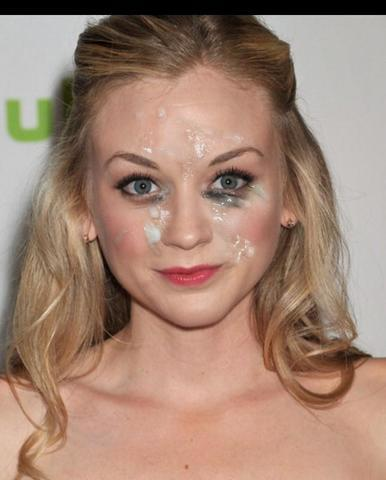 celebritie Emily Kinney 24 years amative photos in public