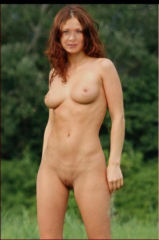 actress Nathalie Walker 21 years k naked snapshot beach