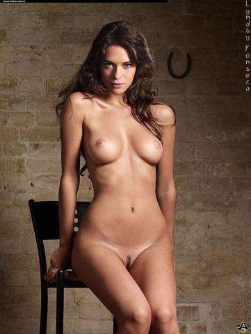 Naked Lyndsy Fonseca picture