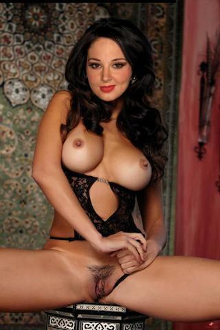 celebritie Tulisa Contostavlos 21 years libidinous picture in the club