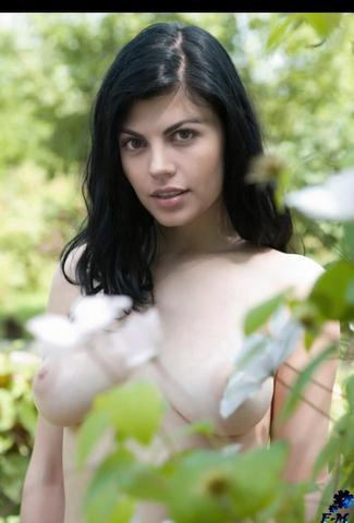 models Ximena Gonzalez-Rubio 22 years pussy photo in public