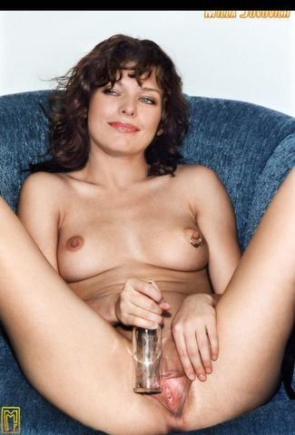 models Milla Jovovich 22 years disclosed photo in public