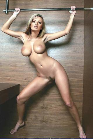Anna Semenovich topless photo