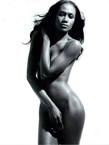 actress Oluchi Onweagba 21 years arousing snapshot in public