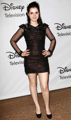 actress Vanessa Marano 25 years Without bra pics home