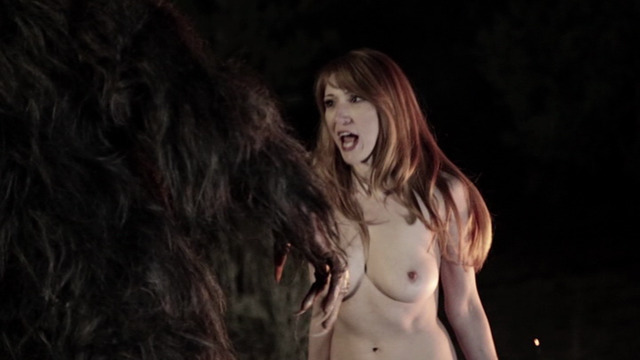 celebritie Sarah Chronis 20 years prurient photo in the club