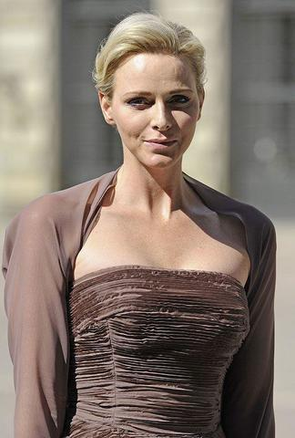 celebritie Princess Charlene of Monaco 2015 unmasked foto in public
