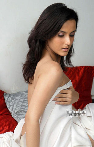 models Tulip Joshi 21 years the nude snapshot in the club