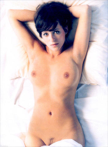 Naked Sarah Dark photoshoot